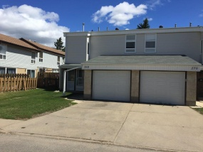 268 GRANDIN VILLAGE, ST. ALBERT AB, T8N 2R6, 3 Bedrooms Bedrooms, ,1.5 BathroomsBathrooms,Town House,Rented,GRANDIN VILLAGE,1011
