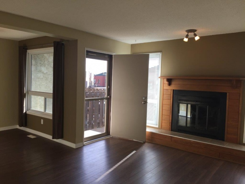 4 17409 95 ST NW, EDMONTON AB, T5Z 2A9, 3 Bedrooms Bedrooms, ,1.5 BathroomsBathrooms,Town House,Available,95,1013
