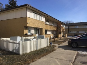 3225 139 AVE NW, EDMONTON AB, T5Y 1T2, 3 Bedrooms Bedrooms, ,2 BathroomsBathrooms,Town House,Rented,139,1016