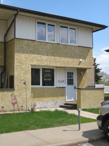 3229 139 AVE NW, EDMONTON AB, T5Y 1T2, 3 Bedrooms Bedrooms, ,1.5 BathroomsBathrooms,Town House,Recently Rented,139,1017