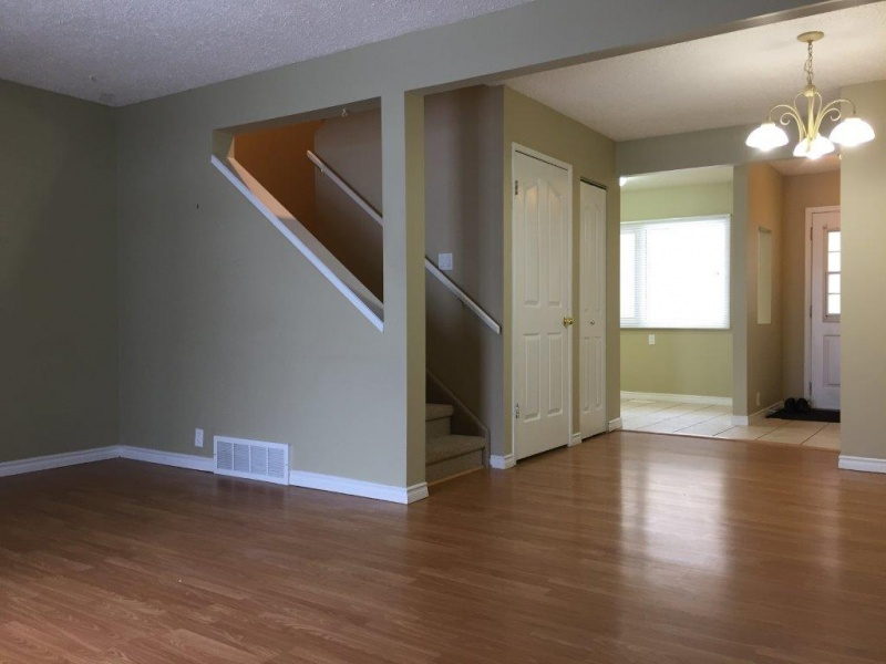 3311 139 AVE NW, EDMONTON AB, T5Y 1T2, 3 Bedrooms Bedrooms, ,1.5 BathroomsBathrooms,Town House,Recently Rented,139,1020