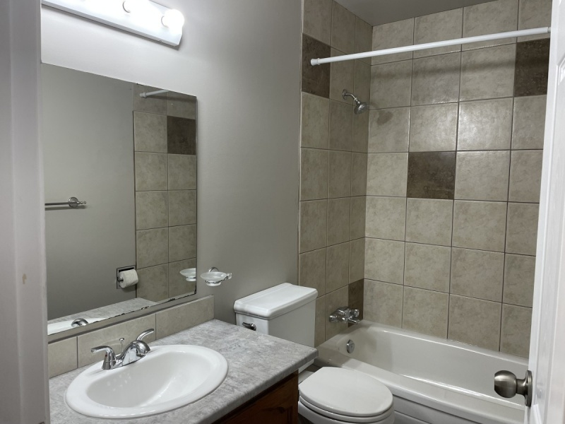1235 HOOKE RD NW, EDMONTON AB, T5A 4A5, 3 Bedrooms Bedrooms, ,1.5 BathroomsBathrooms,Town House,Recently Rented,HOOKE,1023