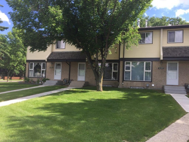 3205 142 AVE NW, EDMONTON AB, T5Y 1H9, 3 Bedrooms Bedrooms, ,2 BathroomsBathrooms,Town House,Recently Rented,142,1026