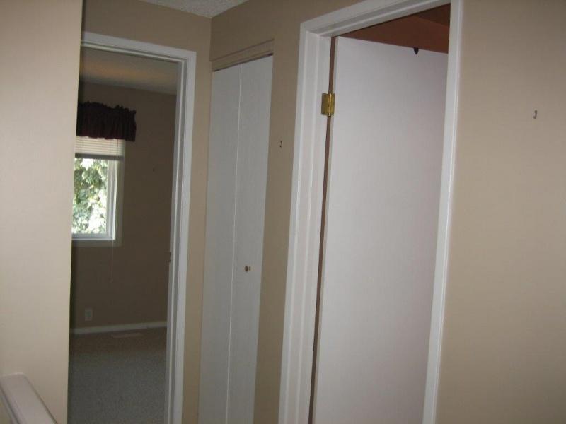 126 WOODBOROUGH WAY NW, EDMONTON AB, T5Y 1N2, 3 Bedrooms Bedrooms, ,1 BathroomBathrooms,Town House,Available,WOODBOROUGH WAY,1040