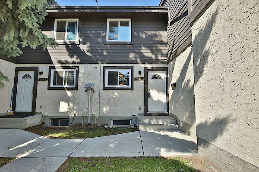 17116 100 ST NW, EDMONTON AB, T5X 3G7, 3 Bedrooms Bedrooms, ,1.5 BathroomsBathrooms,Town House,Rented,100,1042
