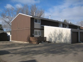 3297 132A AVE NW, EDMONTON AB, T5A 3K4, 3 Bedrooms Bedrooms, ,3 BathroomsBathrooms,Town House,Rented,132A,1005